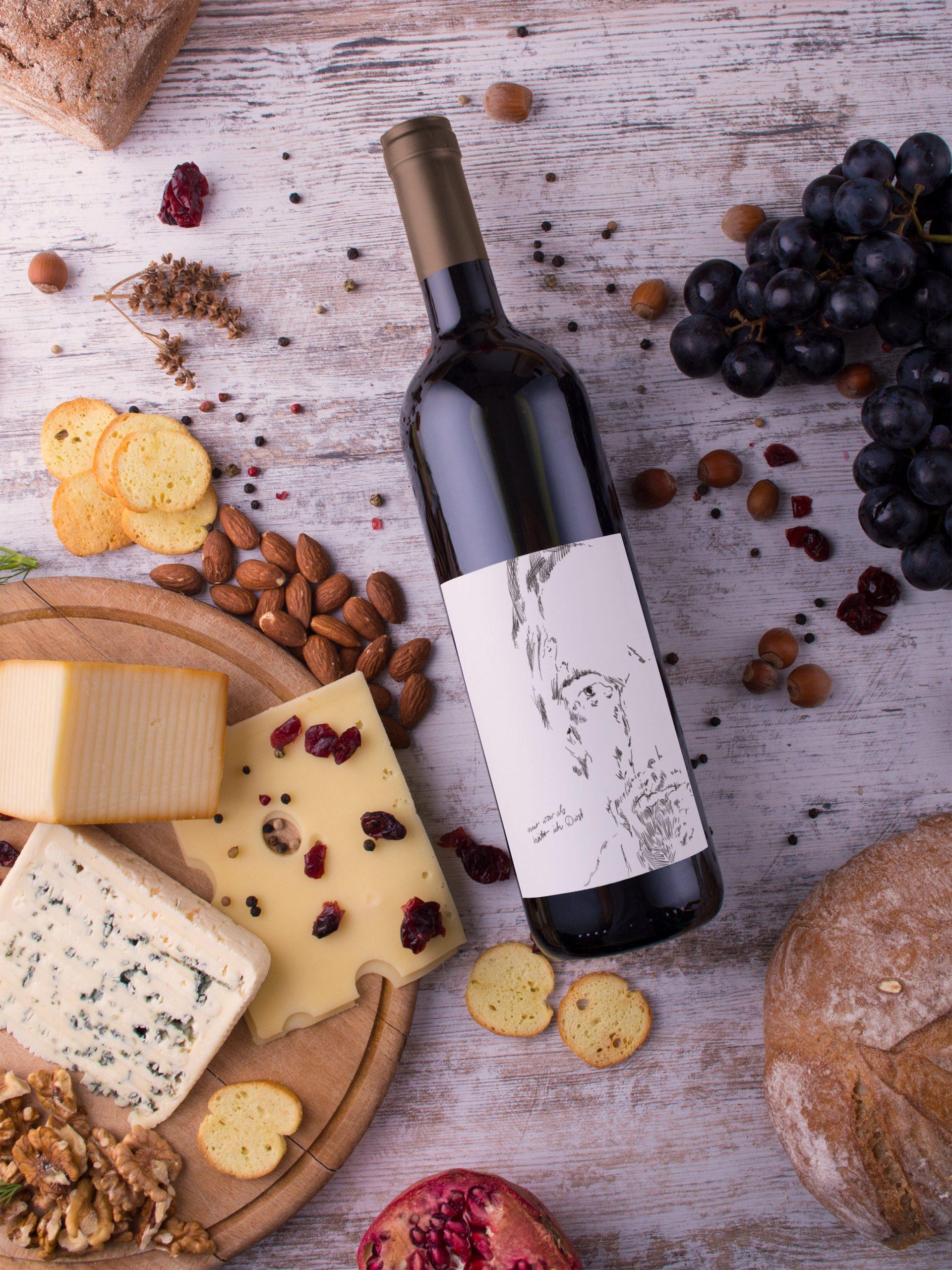 Charakterkopf auf Weinflasche